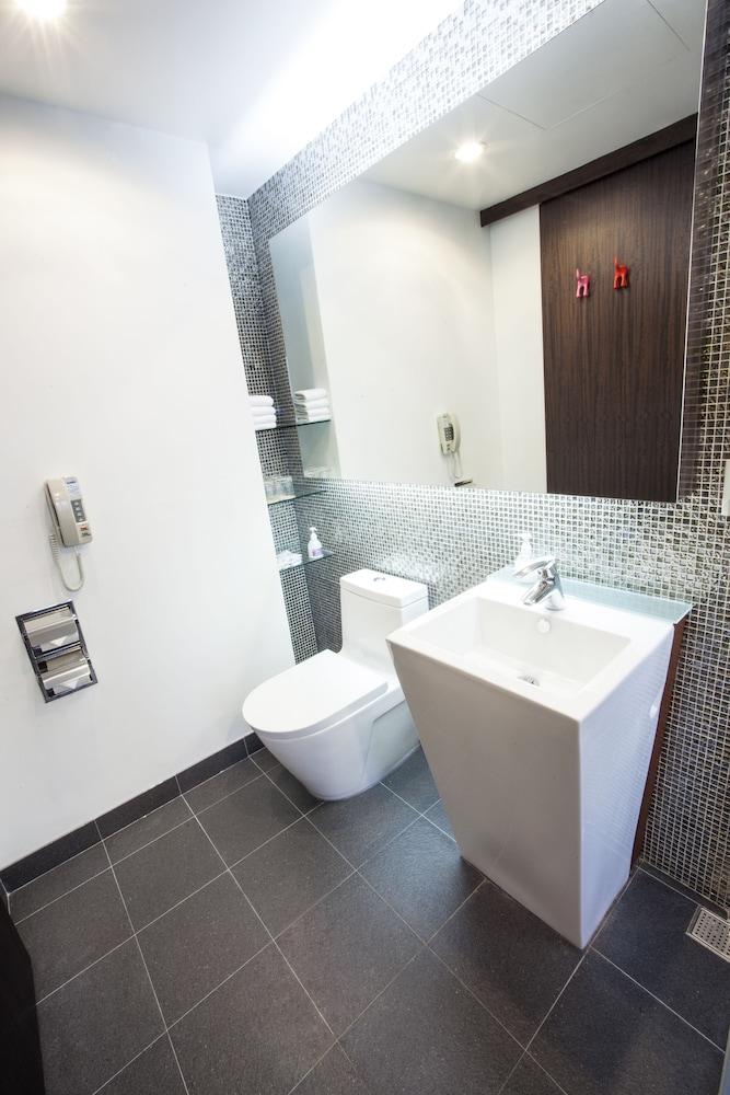 浴室洗手台