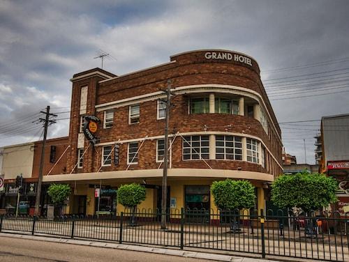 Grand Hotel Rockdale, Rockdale