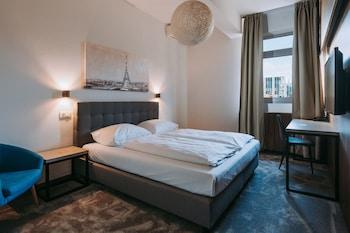 Standard Double Room, 1 Queen Bed (Low budget)