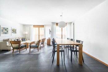 Luxury Duplex, 3 Bedrooms, Non Smoking, Mountain View (Aroleid Apartment)