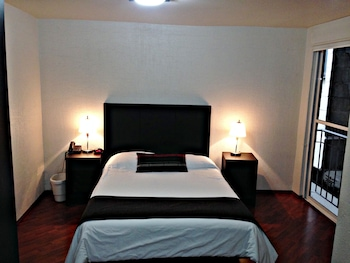 City Studio, 1 Queen Bed, Kitchen