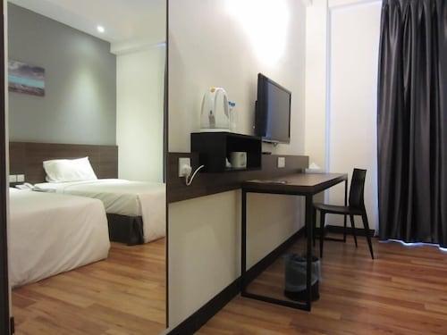 . Fuller Hotel