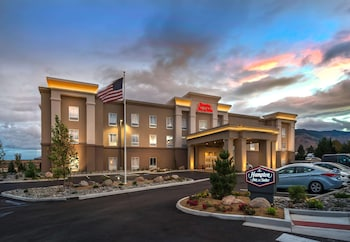 西里諾歡朋套房飯店 Hampton Inn & Suites Reno West