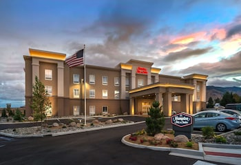 西里諾歡朋套房飯店 Hampton Inn & Suites Reno West