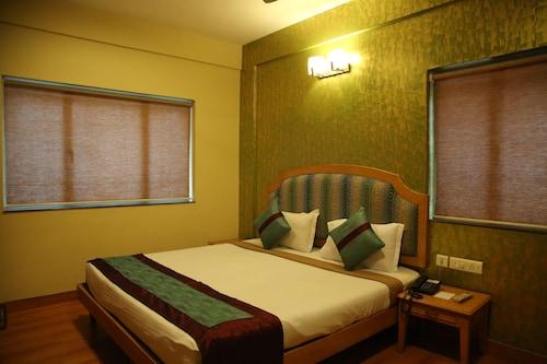 Hotel Sudesh Tower, Kolkata