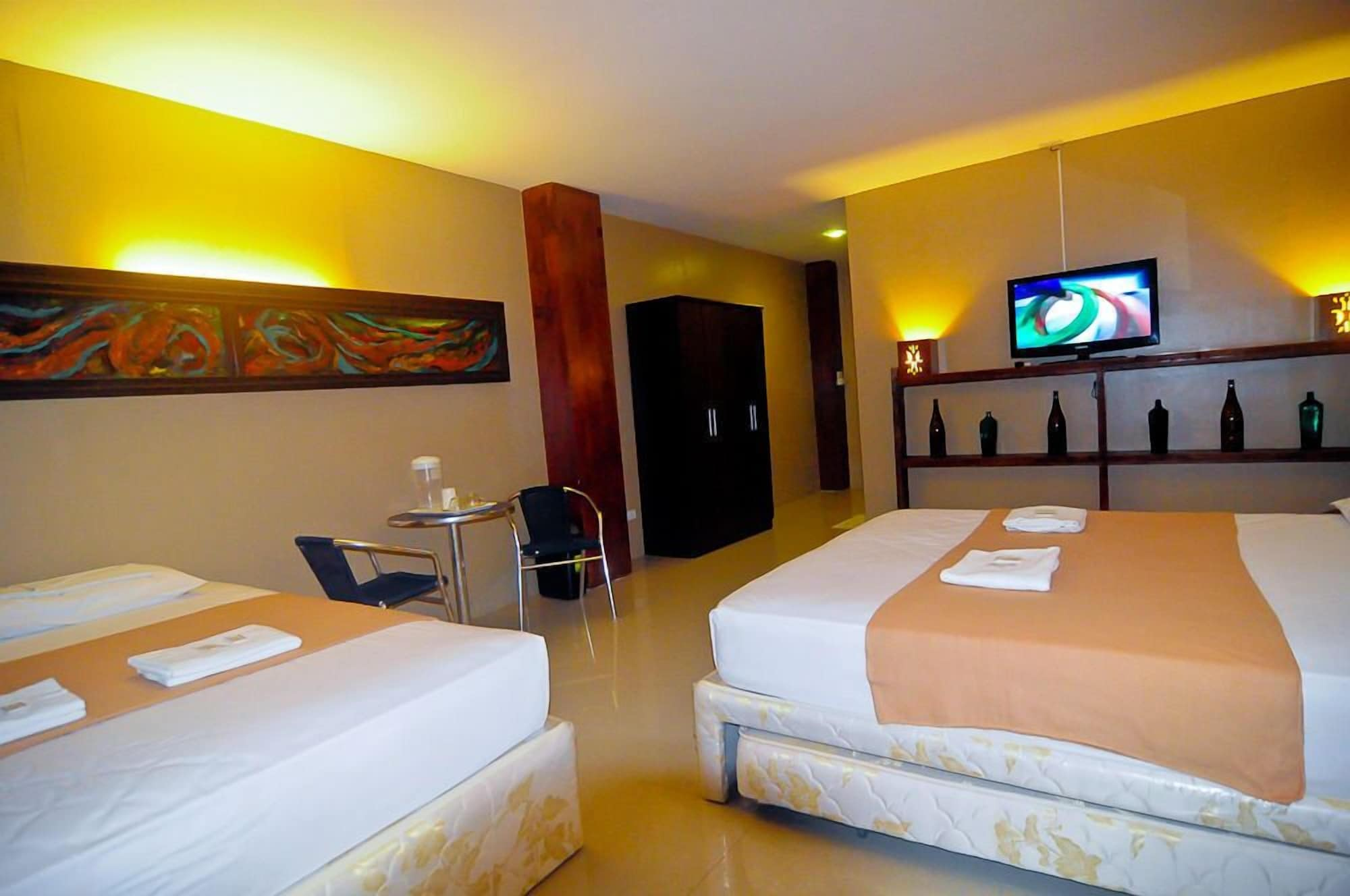 Royal Coast Tourist Inn and Restaurant, Tagbilaran City