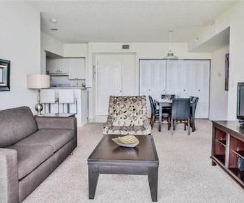 Luxury Apartment, 2 Bedrooms, Ocean View, Beachside