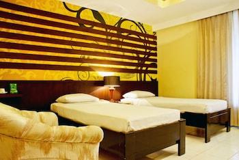 プルナマ ホテル