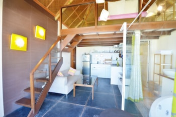 Hangin Kite Center & Resort Boracay Living Area