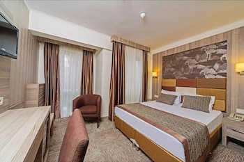 Hotel - Pera Arya Hotel
