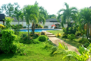 Panglao Homes Resort & Villas Outdoor Pool