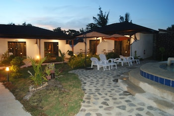 Panglao Homes Resort & Villas Property Grounds