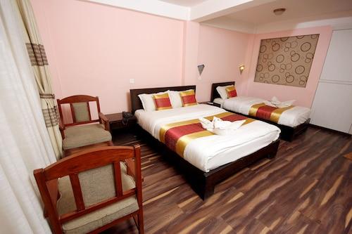 Katmandu - De Hotel Veda - z Warszawy, 5 kwietnia 2021, 3 noce