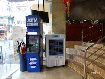 Chinatown Lai Lai Hotel Manila ATM/Banking On site
