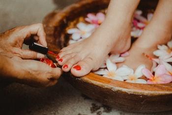 Vida Homes Condo Resort Dumaguete Nail Salon