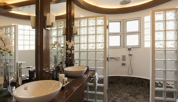 Vida Homes Condo Resort Dumaguete Bathroom