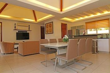Vida Homes Condo Resort Dumaguete In-Room Dining