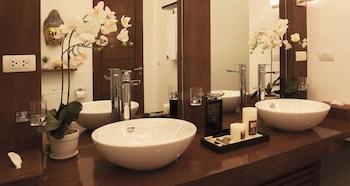 Vida Homes Condo Resort Dumaguete Bathroom Sink