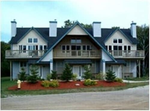 The Lodges at Blue Mountain - Chalets, Grey