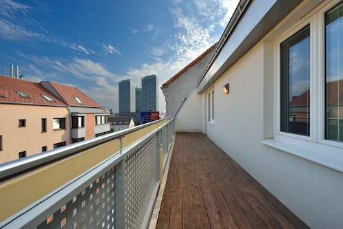 Business&Family Ambiente Apartments, Bratislava II