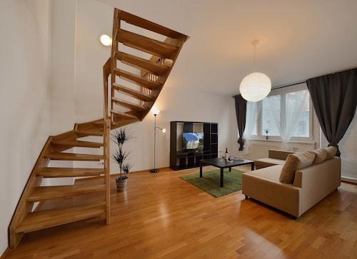 Business&Family Ambiente Apartments, Bratislava II