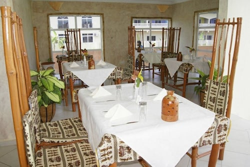 Bamboo Garden Hotel, Kombo Saint Mary