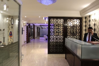 Hotel Comfort Zone Greater Kailash - Interior Entrance  - #0