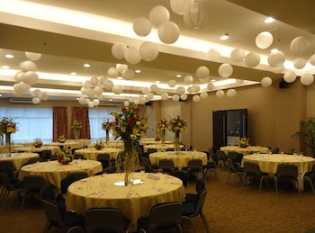 Citylight Hotel Baguio Banquet Hall
