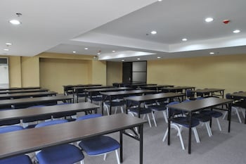 Citylight Hotel Baguio Meeting Facility