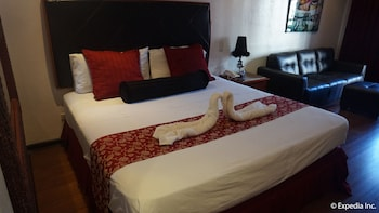 Grand Central Hotel Clark Guestroom