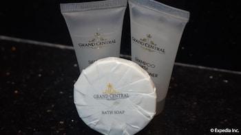 Grand Central Hotel Clark Bathroom Amenities