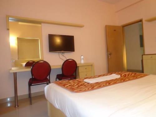 Halcyon Suites, Ranga Reddy