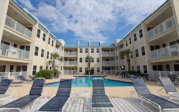 Hotel - Poolside Villas by Holiday Isle