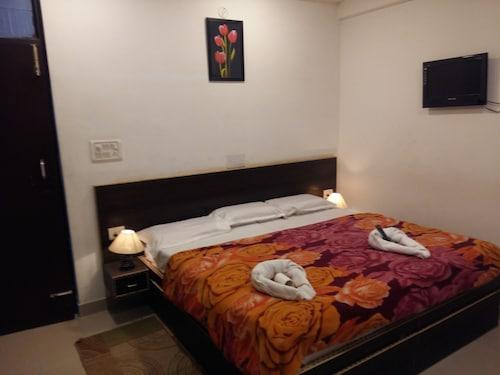 Hotel Safari, Agra