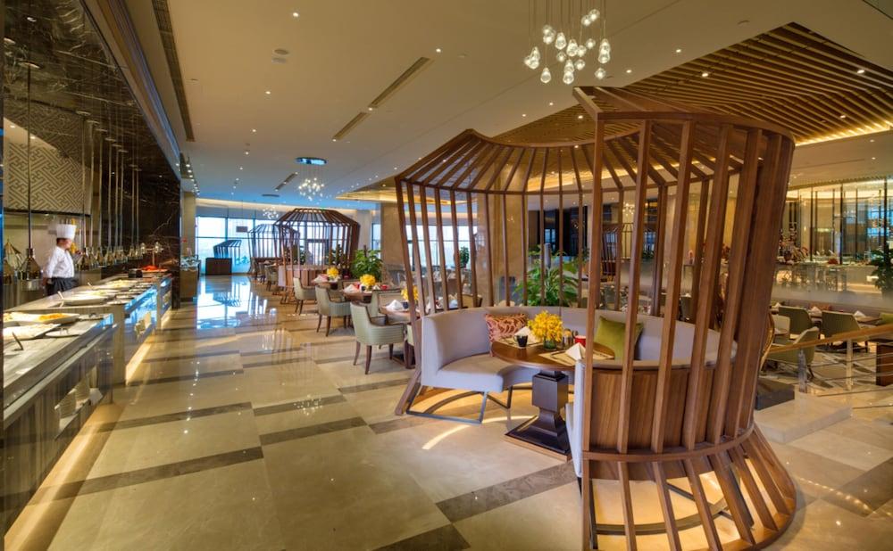 ヒルトン ウルムチ (乌鲁木齐希尔顿酒店)