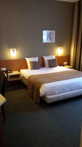 Sint-Stevens-Woluwe - Hobbit Hotel Zaventem  - z Krakowa, 7 kwietnia 2021, 3 noce