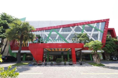 . Dewarna Hotel & Convention