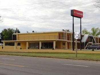 Econo Lodge - Featured Image  - #0