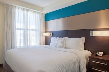 Guestroom at Residence Inn by Marriott Orlando Downtown in Orlando