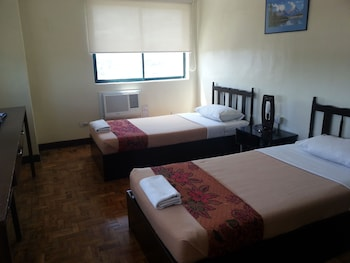 Crown Port View Hotel Cebu Guestroom