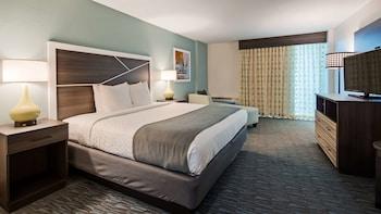 Standard Room, 1 King Bed, Balcony, Oceanfront