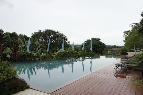 Ocean Suites Boutique Hotel, Tagbilaran City