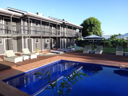 Travellers Point Hotel, Vaimauga West