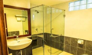 Sabaidee @ Lao Hotel - Bathroom  - #0
