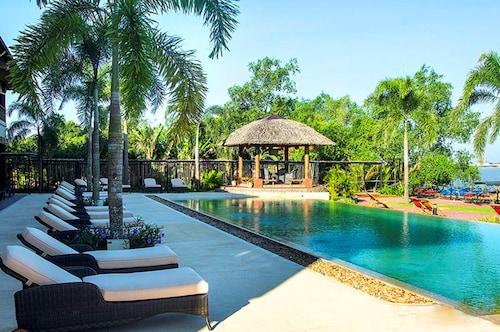 . The Island Lodge