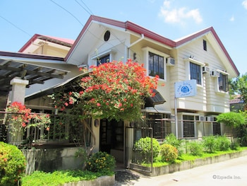 Casa Luciana Guest House Cagayan Featured Image