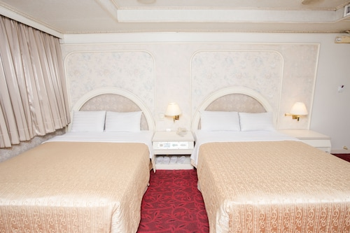 Mou Hotel Luchuan, Taichung