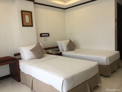 . Soledad Suites