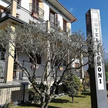 __{offers.Best_flights}__ Hotel Fioroni