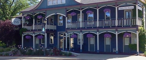 . Stone Waters Inn